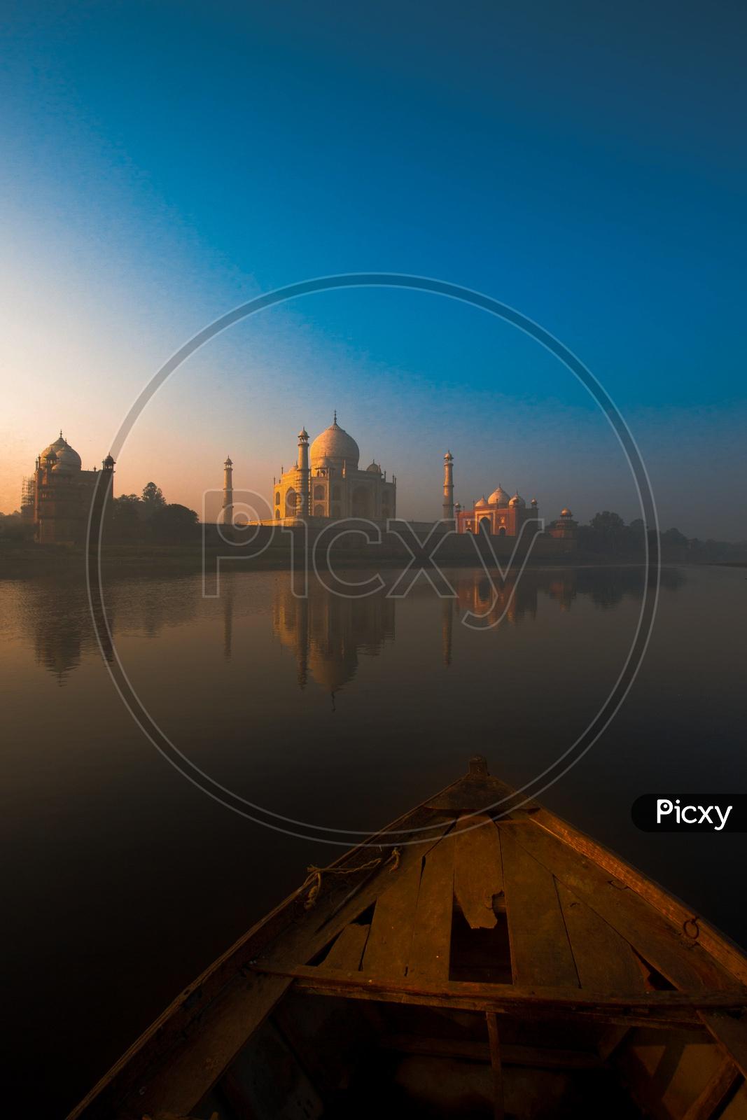 Taj Mahal / 7 Wonders of World / Mounuments of India