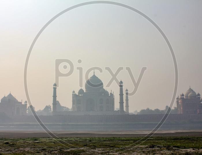Beautiful Landscape of Taj Mahal