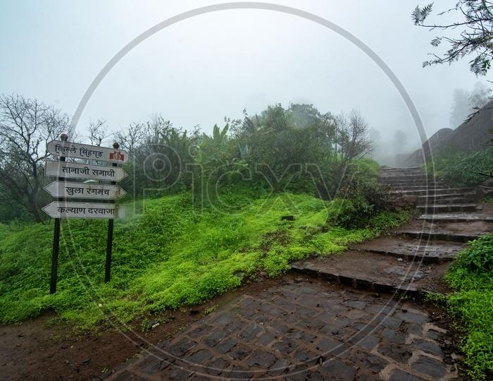 Way to Tanaji Samadhi at Sinhagad Fort
