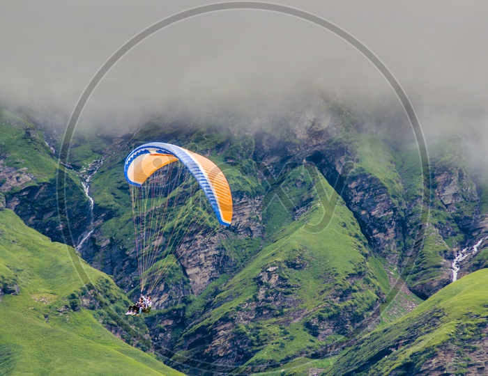 Paragliding, Manali to Leh by Road