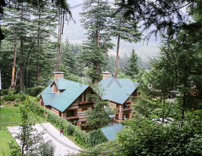 Homes, Manali