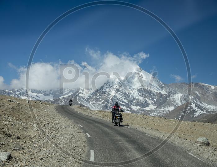 Bike Trip To Gurudongmar Lake, Sikkim