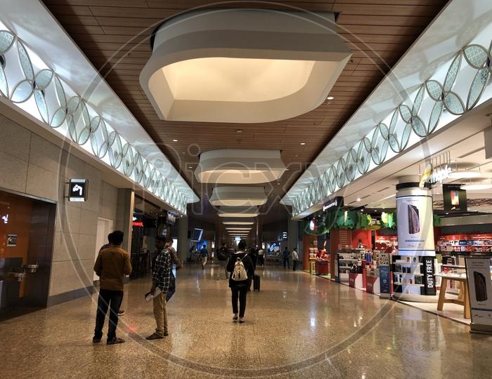 Shopping Stores in Mumbai Airport
