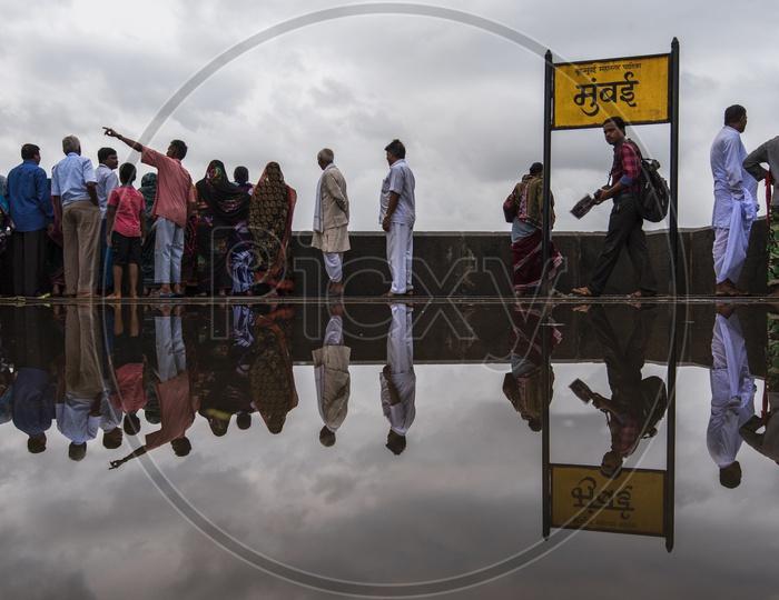Tourists at Gate Way of India, Mumbai