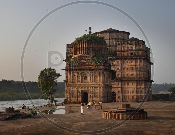 View of Royal cenotaphs (Chhatris) of Orchha over Betwa river. Orchha, Madhya Pradesh, India.