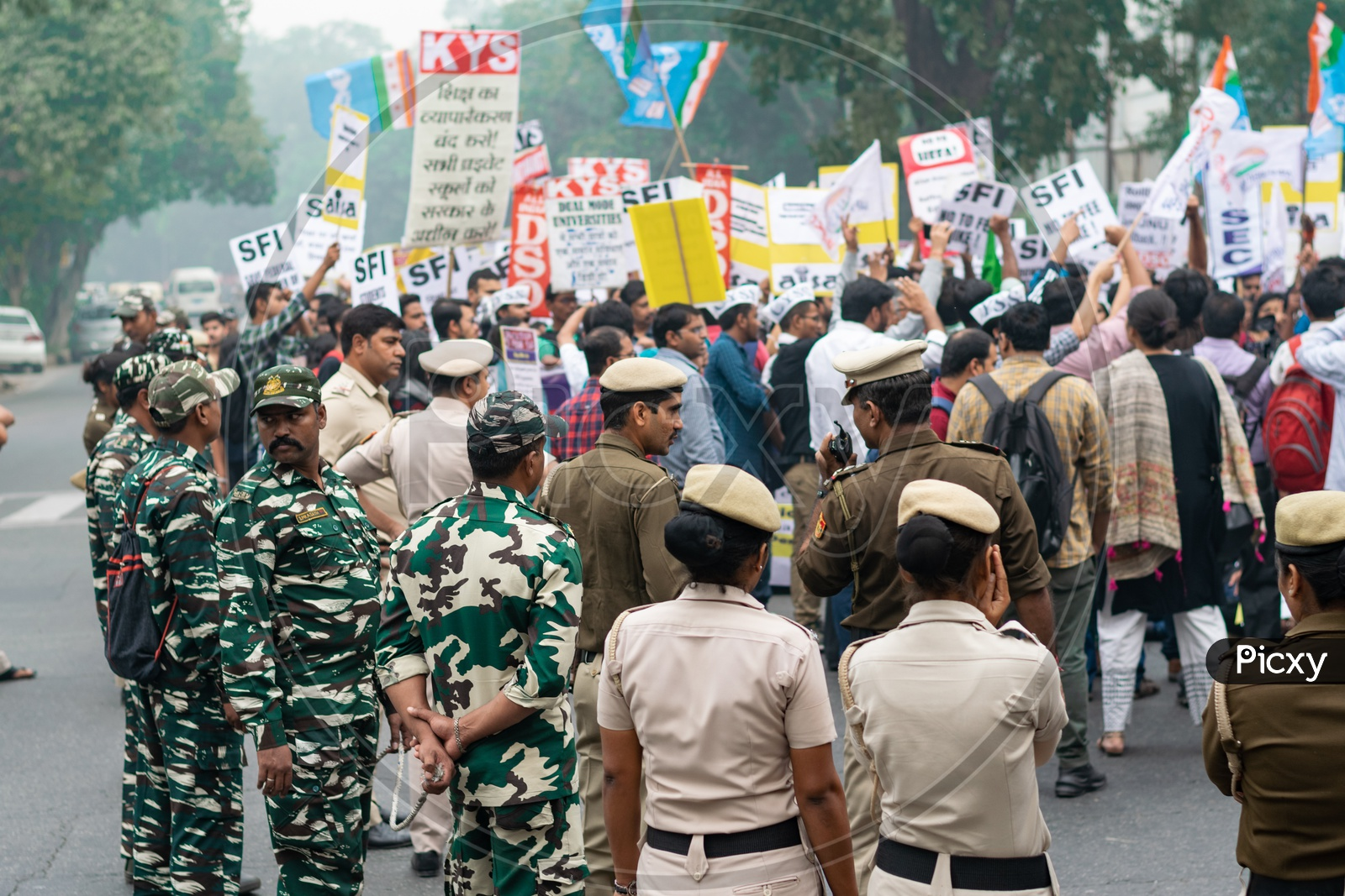 Delhi police and other security forces and Students and teachers from different universities and different organisations demanding withdrawal of 'National Education Policy 2019' and protesting against other issues related to Education