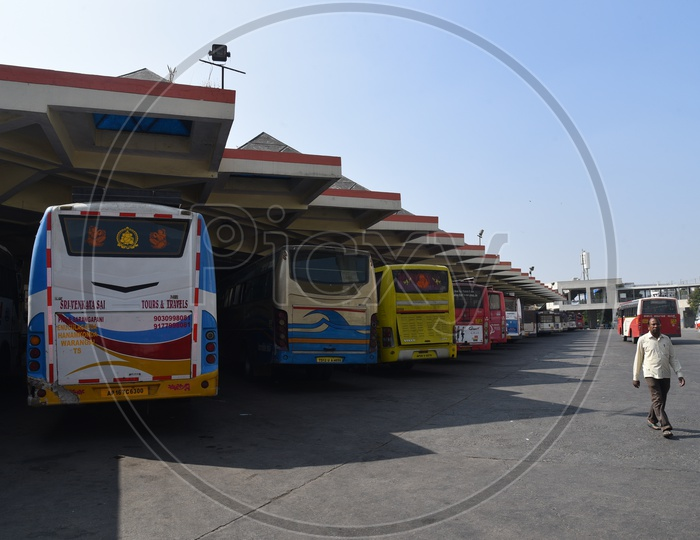 Private Travels Buses In MGBS Bus Station Platforms Amidst Of TSRTC Employees Strike in Hyderabad