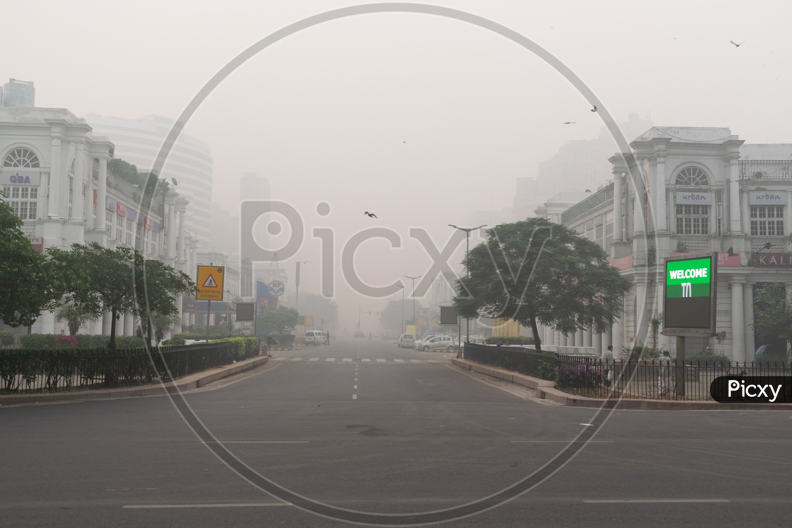 Connaught Place Covered In Smog Hazy Morning Due To Pollution At Severe Level In Delhi Ncr After Diwali