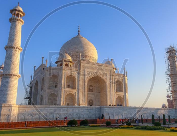 Beautiful View of Taj Mahal