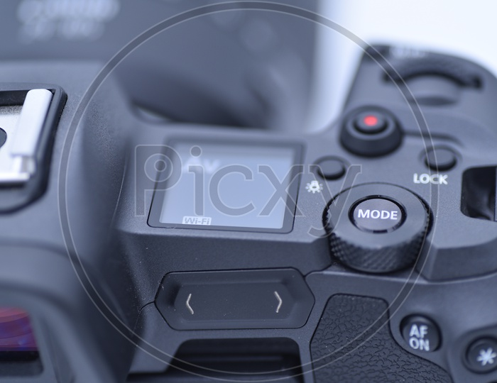 Control Buttons In a DSLR Camera