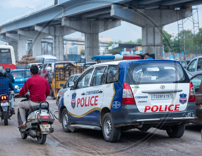 Police Patrol Vehicle  In Traffic at  Hyderabad  City Roods