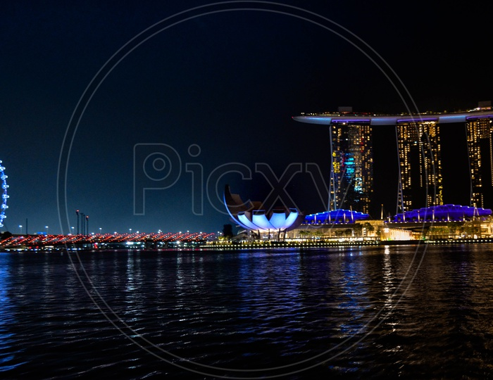 Landscape shot with Marina bay sands National art gallery and singapore flyer