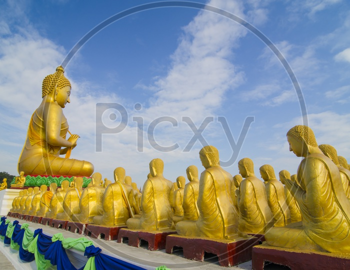 Buddha Statues Worship With 1250  Disciples on Makha Bucha Day In Thailand