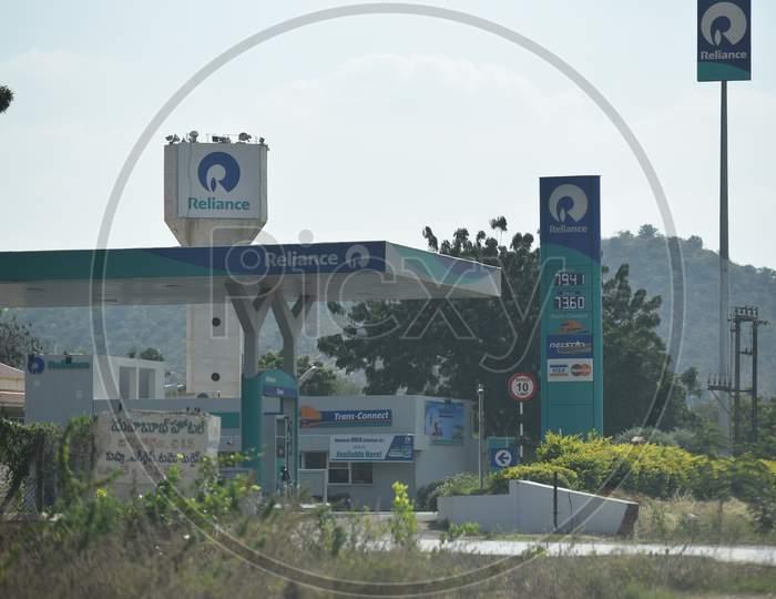 Reliance Petrol filling station, Hyderabad-Bangalore, NH44 Highway.