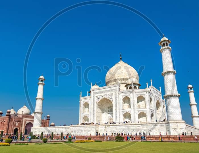 The Taj Mahal, The Most Famous Monument Of India. Agra - Uttar Pradesh