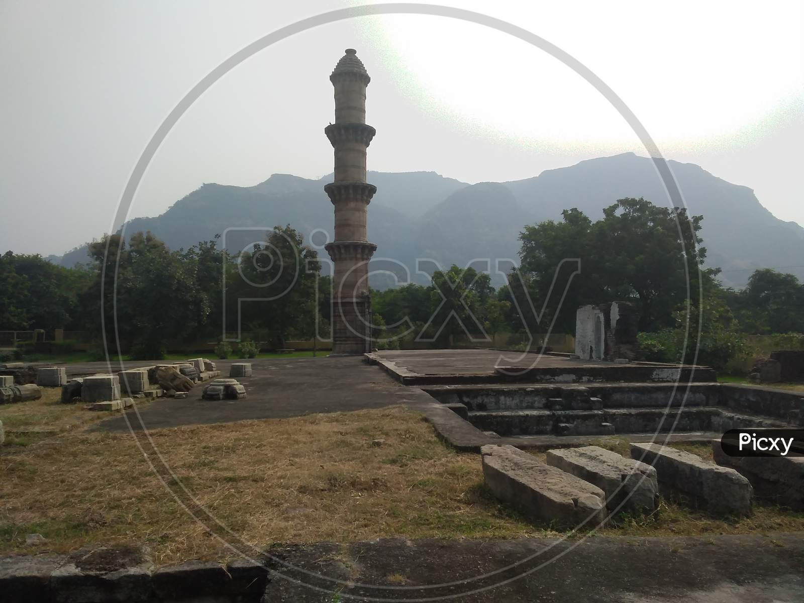 Ek minar ki masjid from pavagadh chapaner Gujarat India