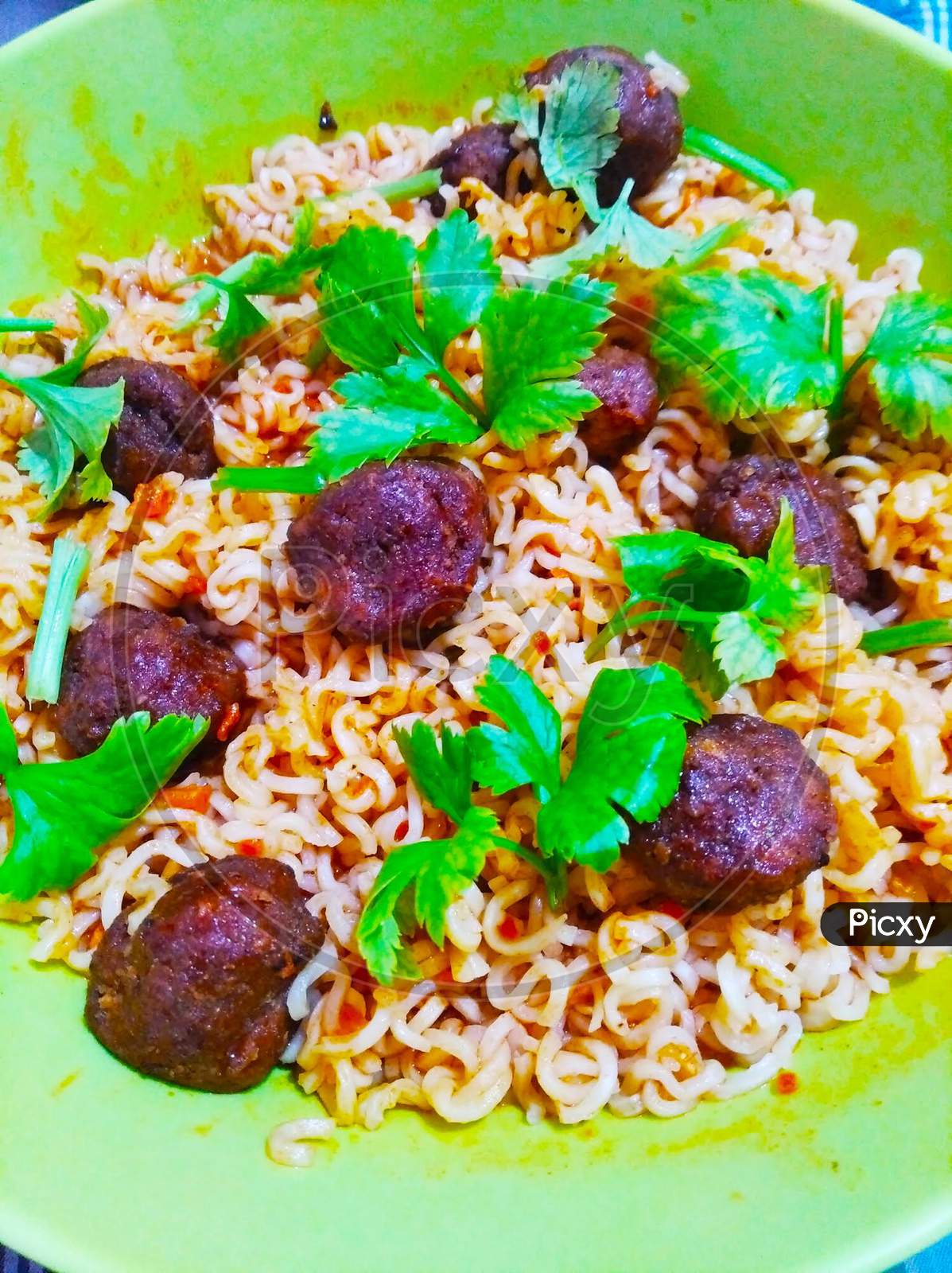 Noodles & Meat Ball