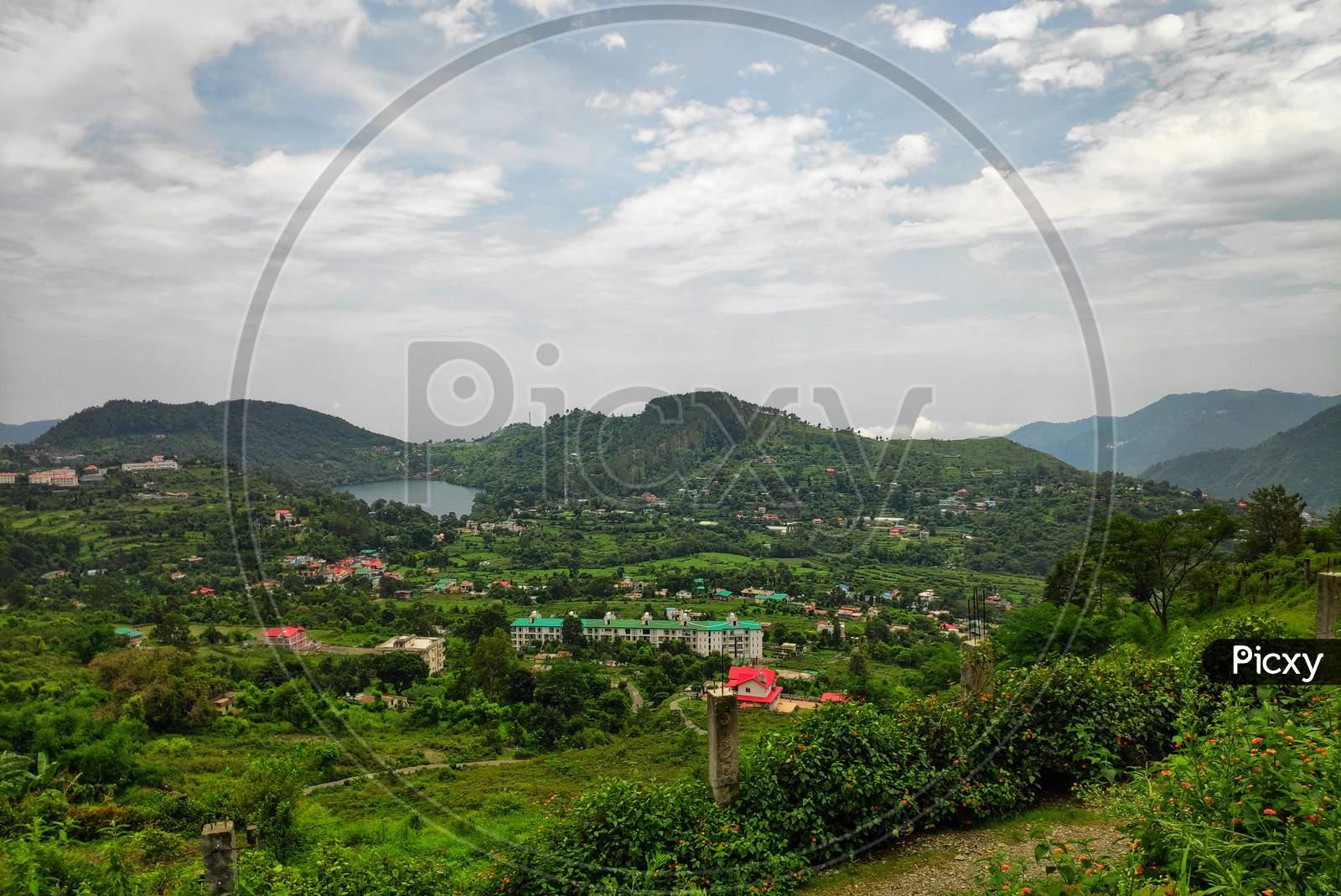 naukichital lake in bhimtal