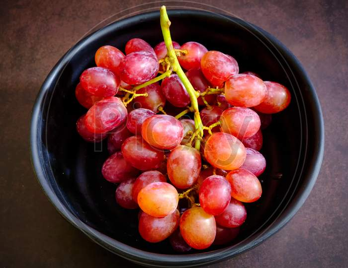Red Delicious Fresh Grapes