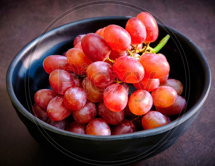Red Delicious Fresh Red Grapes