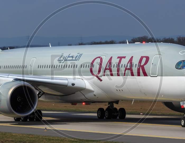 Airplane qatar.