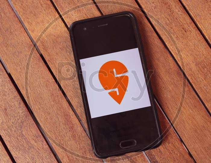 Swiggy App Orange Indian Startup Delivery