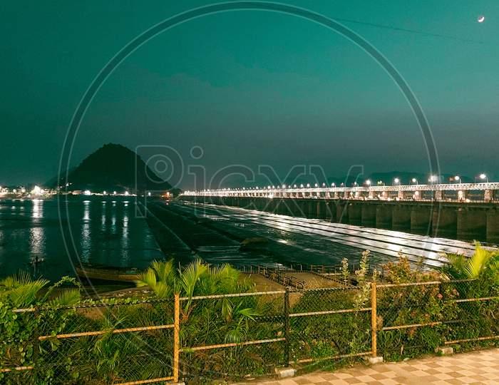 Prakasam barrage vijayawada 20 nov 2020