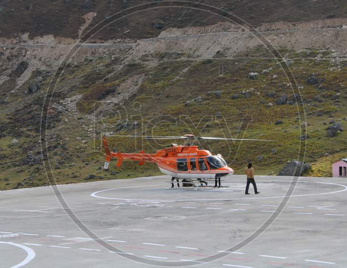 Heli air service to Kedarnath.