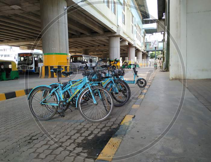 Group of Yulu Miracle Cycle and Electric Bike For Rental Fare Parking Near the Yelachenahalli Metro Station