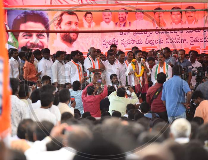 Revanth Reddy Anumula, INC leader and Malkajgiri MP addressing people in a protest at Shadnagar against Central Government's New Farm Laws in solidarity with Farmers agitating at Delhi Borders, December 8, 2020.