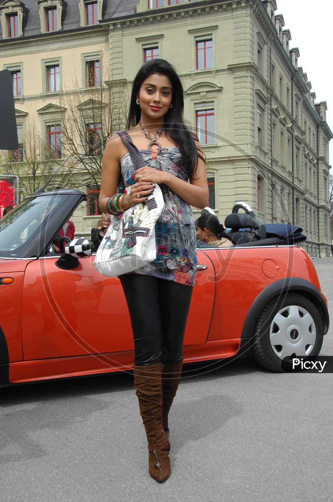 Shriya Saran , South Indian Actress  Movie Working Stills
