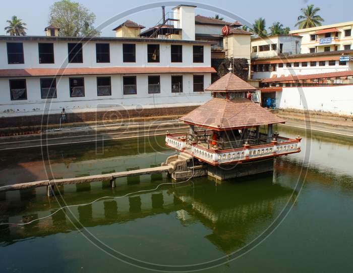 famous sri krishna mutt udupi karnataka