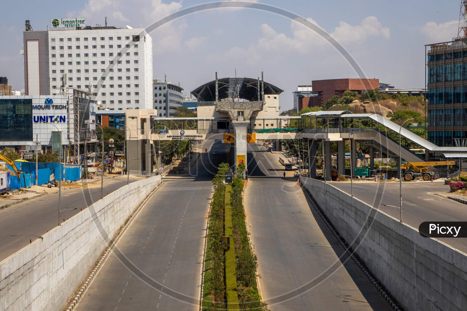 Janata Curfew, Deserted Roads At Raidurg Metro Station   In Hyderabad  As Indian Prime Minister Narendra Modi Called For A 14 Hour Janta  Curfew Or Self-Imposed  Quarantine To Break The  Highly Contagious  Covid 19 Or Corona Virus Spread