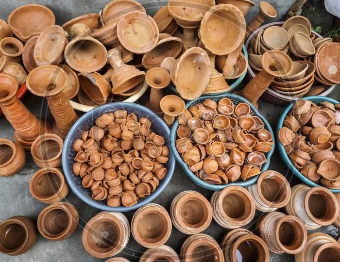 The showcase of handmade ceramic pottery in a roadside market