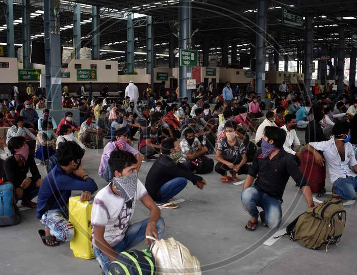 Migrant Laborers Rest After Arriving From Gujarat State On A Special Train At Prayagraj Railway Station During Nationwide Lockdown Amidst Coronavirus Or Covid- 19 Pandemic, Prayagraj, May 10, 2020