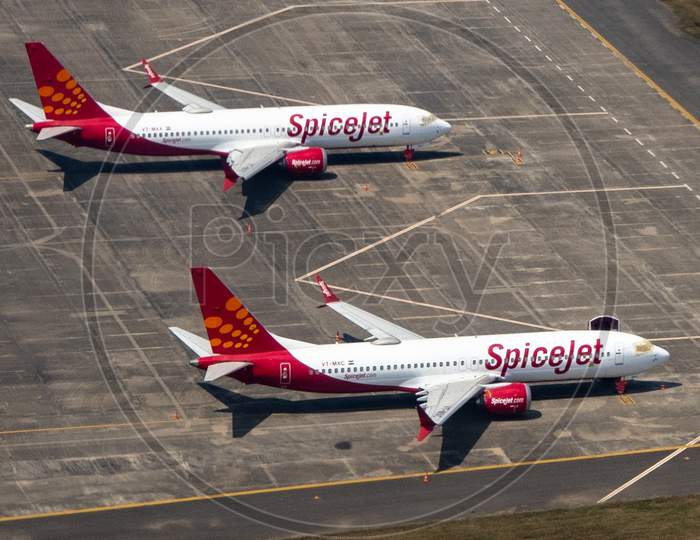 Spicejet Flights  Stranded In an Airport