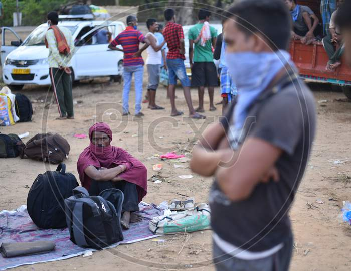Scores of Migrant workers wait at Aswaraopet Check Post (Telangana- Andhra Border)  in a bid to reach their home states during an extended lockdown amid Coronavirus Pandemic. May 16,2020.