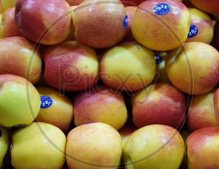 Dubai Uae - November 2019: Bunch Of Apples In Supermarket. Apple Put On Sale Shelves In The Supermarket. Fresh Ripe Apples Displayed Beautifully.