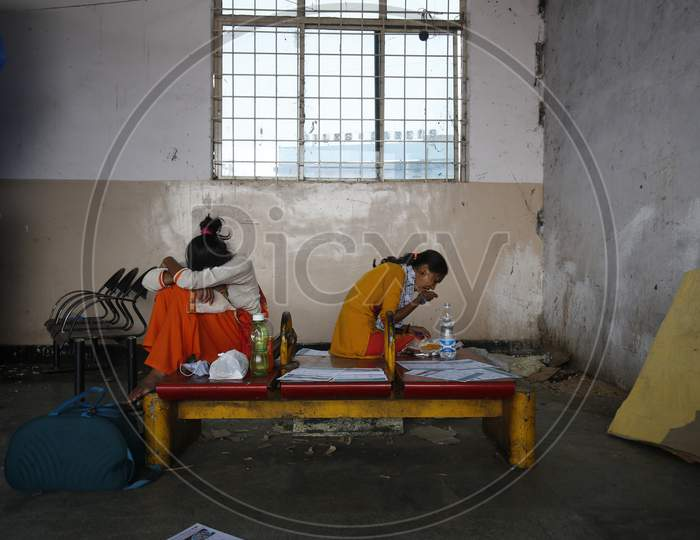 A woman eats a meal during the nationwide lockdown to stop the spread of Coronavirus (COVID-19) in Bangalore, India, May 02, 2020.