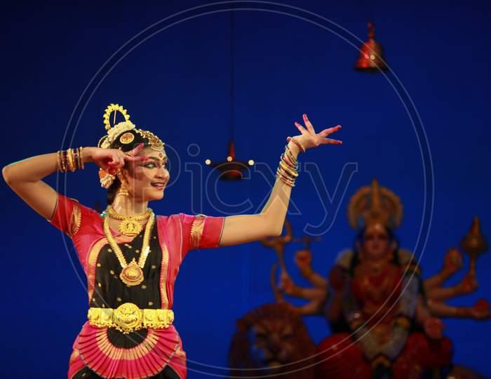 bharatnatyam recital event held on December 26,2016 at Sevasadan hall in Bengaluru.