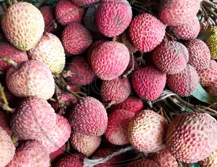 The Ripe Litchis Are Very Sweet And Delicious, They Have Been Put Up For Sale.