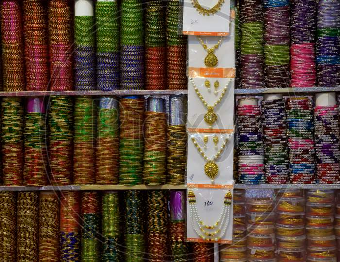 Bangles And Jewellery For Sale At Panjim Market, Colourful Bangles And Necklaces For Sale At Panjim Market, Goa India .