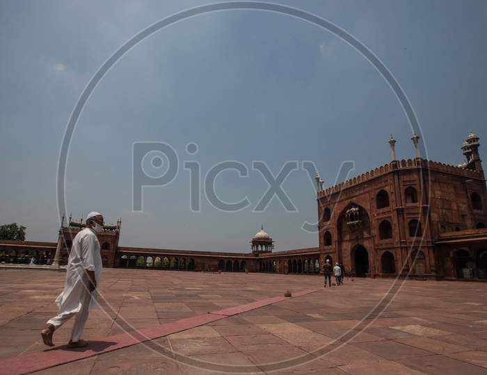 Muslims Walk Towards Jama Masjid After The Opening Of Most Of The Religious Places As India Eases Lockdown Restrictions That Were Imposed To Slow The Spread Of The Coronavirus Disease (Covid-19), In The Old Quarters Of Delhi, India, June 8, 2020.