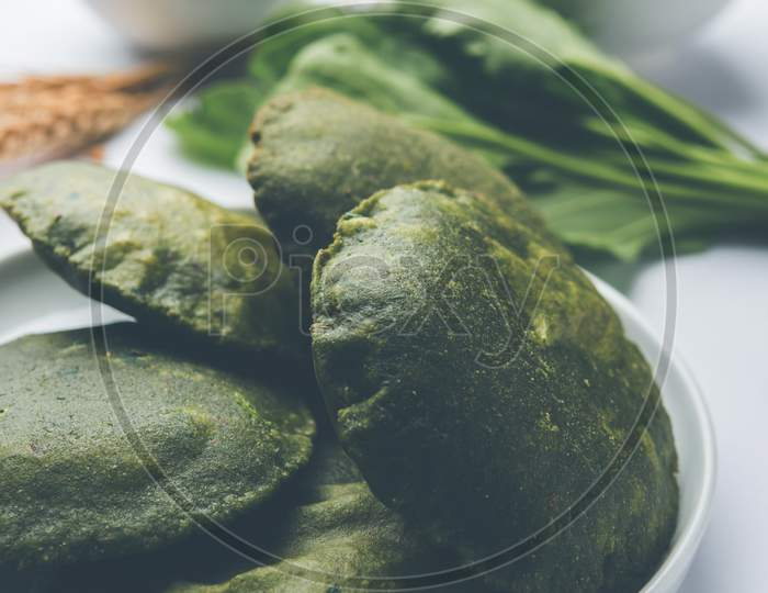 Palak Puri or Spinach Poori