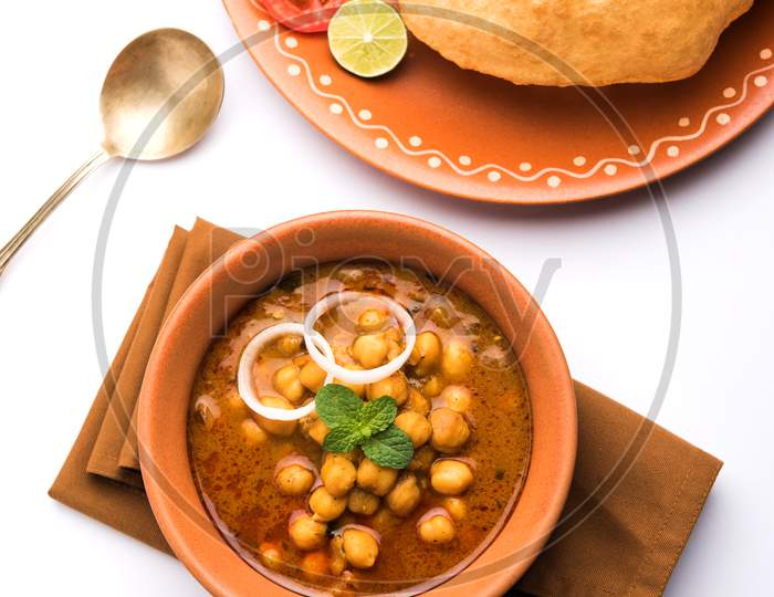 Chole Bhature or chole puri