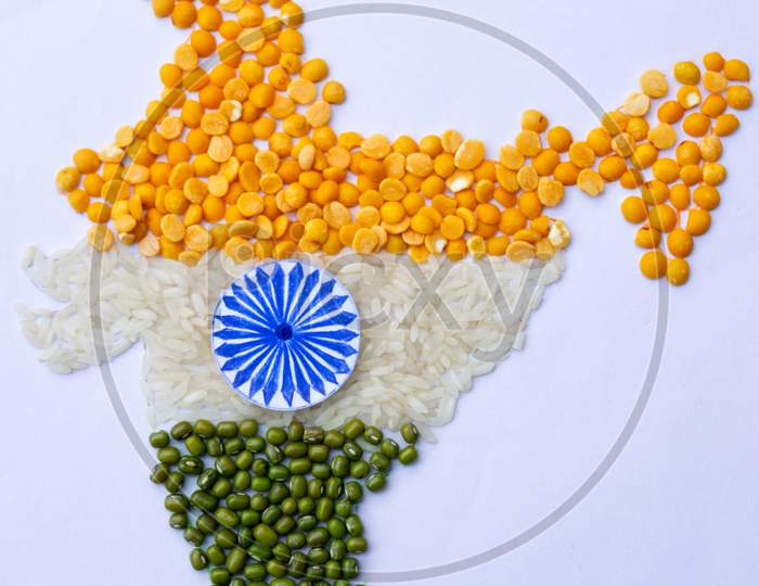 Indian map, tiranga, tricolor made with arhar dal, rice and moong dal, closeup, independence day, republic day, concept, food, image
