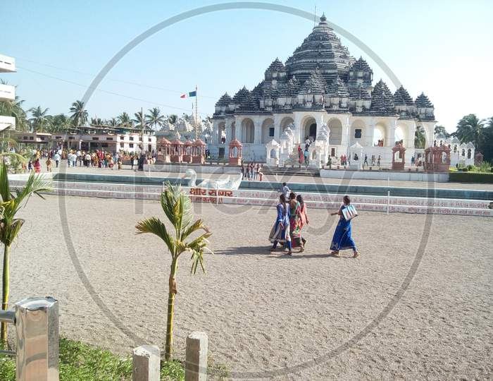 Parab Dham Temple, Gujarat, India, This is the famous Hindu temple in Gujarat.