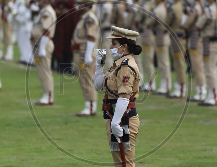 Jammu & Kashmir Police wears face masks during Independence Day parade in Jammu, on August 15 ,2020