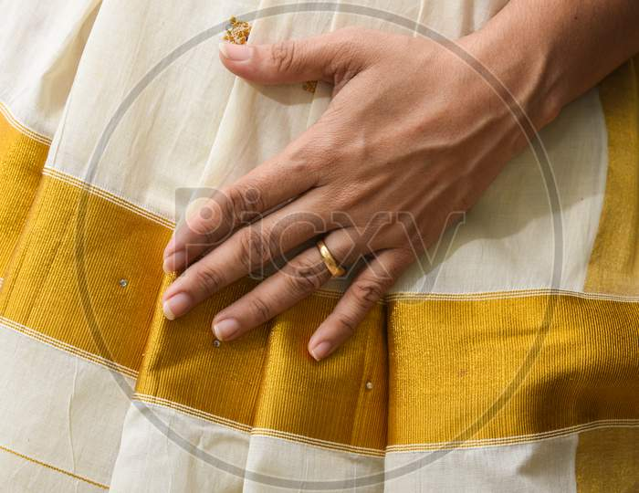 Indian silk sari, handmade white Kerala Sari