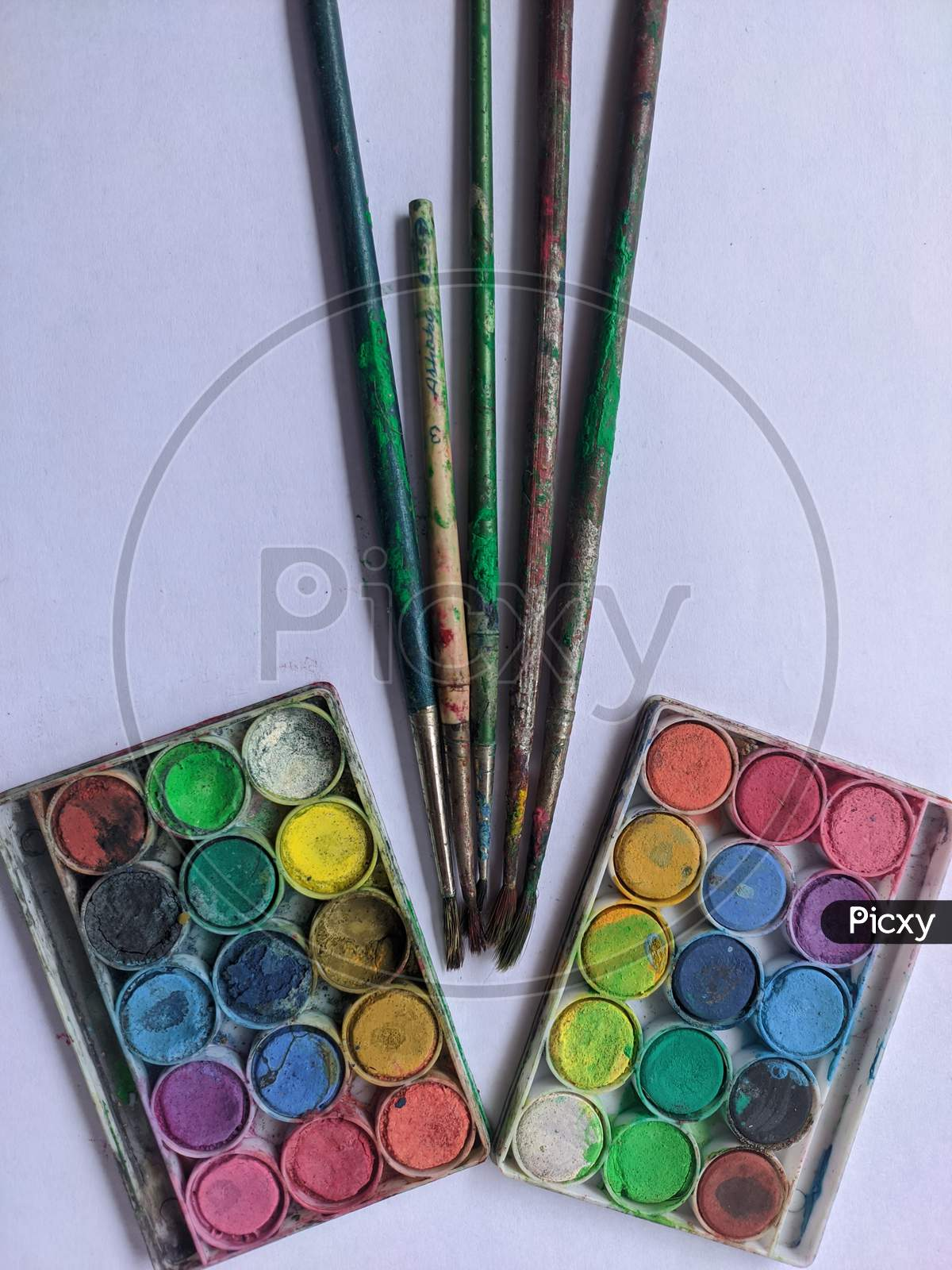 Paint brushes and paint colours